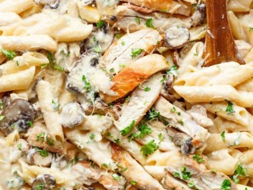 Garlic-Parmesan-Chicken-Alfredo-2-500x375