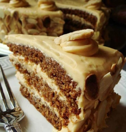 Butterscotch-Cake-with-Caramel-Icing