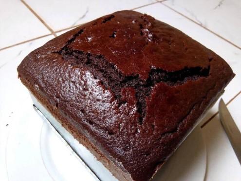 EASY -CHOCOLATE- CAKE