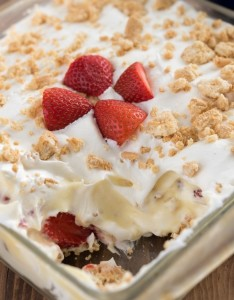 NO- BAKE -STRAWBERRY- SHORTCAKE- DESSERT