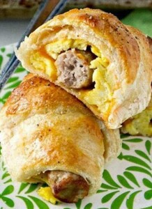 Sausage- Egg- and Cheese- Breakfast- Roll-Ups